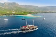Best boat tour to bol from split Polaris