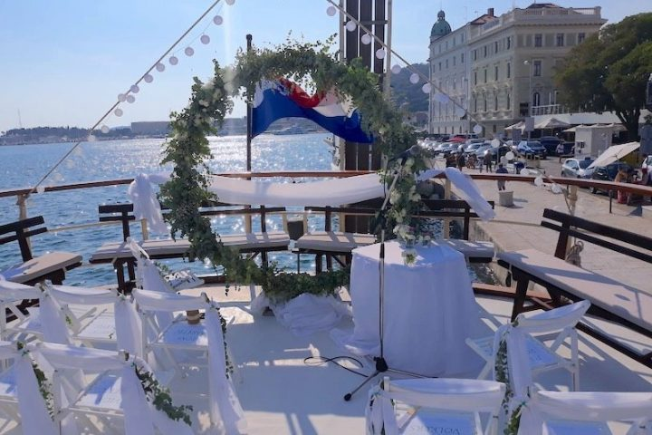 Wedding Decoration On boat Polaris Split